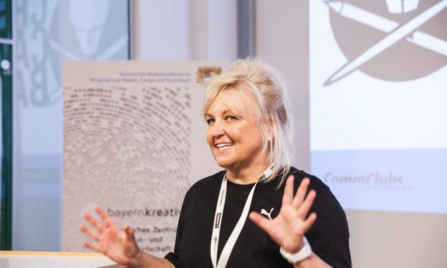 Welcome Creative Europe - Petra Lorenz, Geschäftsführerin der CommClubs Bayern e. V. und Veranstalterin des CreativeCamp Bayern