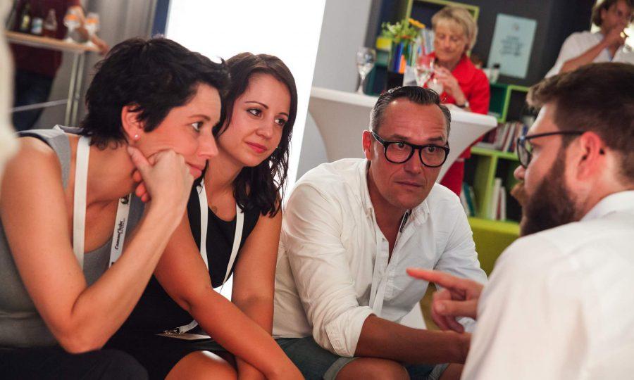 Edgar Schulten, Director Marketing STABILO International und sein Team im Gespräch mit Dirk Kiefer, bayernkreativ